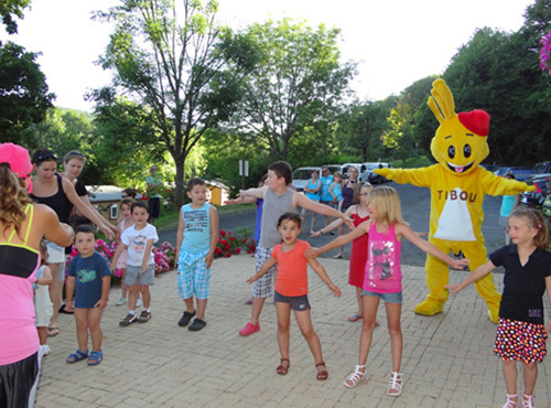 camping fougeres auvergne animations enfants